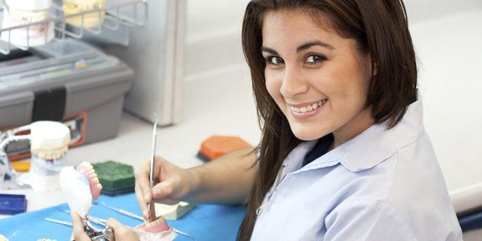 Qué estudiar para ser asistente dental