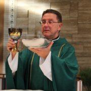 Qué estudiar para ser cura católico