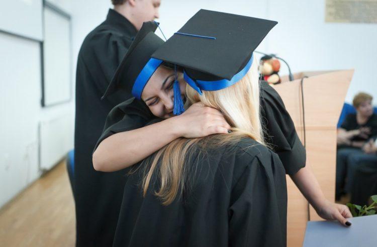 Cómo encontrar una posición de doctorado en el extranjero