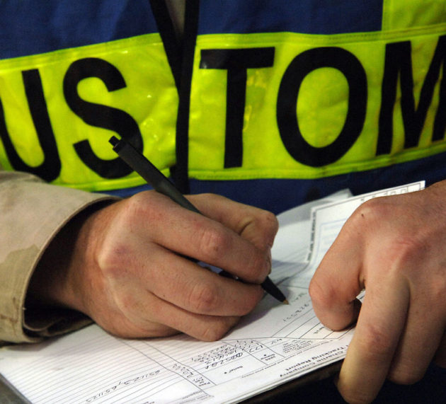 Qué estudiar para ser agente de aduanas